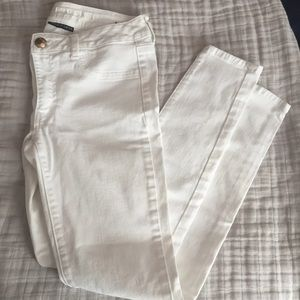 White American Eagle jeans